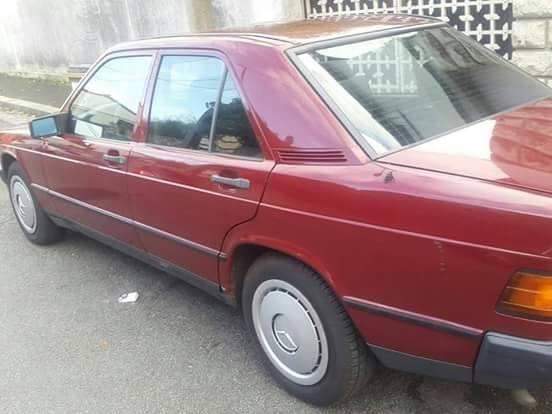 Mercedes 190, 2. 5, Diesel à vendre à 3 500 000f CFA à discuter