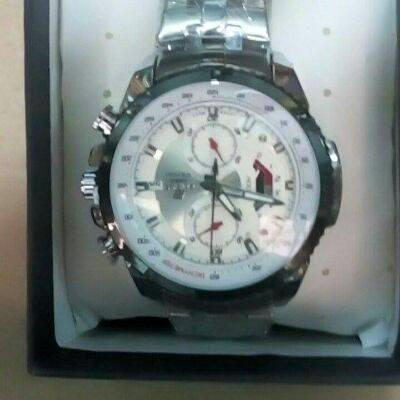À vendre montre Édifice Casio Analogique